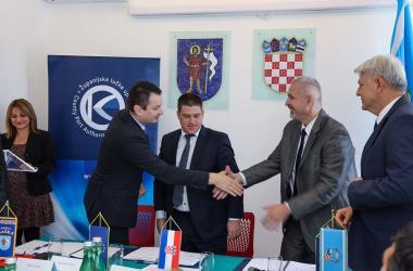 Svečano potpisan ugovor za dodjelu bespovratnih sredstava za dogradnju i rekonstrukciju luke Baška